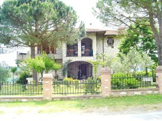Casa Julian Holiday Apartments - Castiglione Del Lago vacation rentals