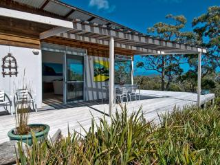 Bruny Island Experience - Chez Discovery, Alonnah