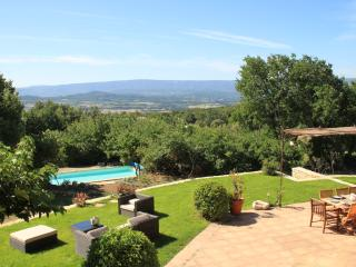Lou Souleio, Wonderful 5 Bedroom Villa with Pool, Luberon, Gordes