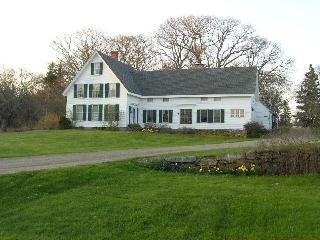 Wonderful 1855 farmhouse on John's Bay, Pemaquid