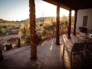 Convenient to 4-corners attractions and Mesa Verde While Bordering Canyons of the Ancients Monument., Cortez
