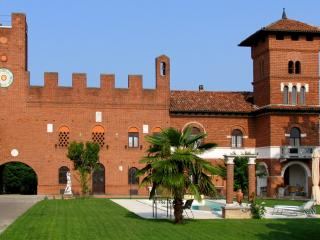 ASTI - Tenuta Morgnano B&B, Antignano €68/night, Asti