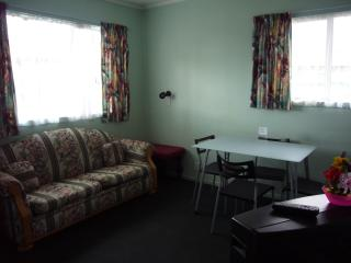 Travelodge Motel, Levin