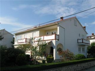 1755-Apartment Rab, Palit