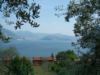 Apartment for 4 persons in Riva di Solto - Bergamo Province vacation rentals