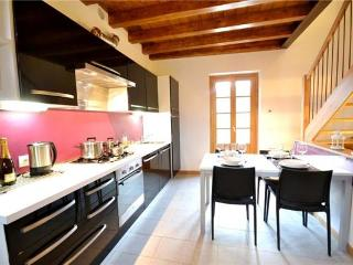Newly built holiday house for 4 persons in Menaggio - Menaggio vacation rentals