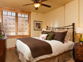 6115 Bear Lodge, Trappeurs, Steamboat Springs