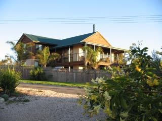 Ambalama Holiday Home - South Australia vacation rentals