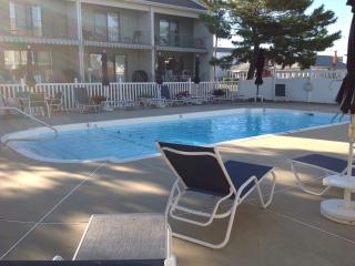 Fabulous Long Beach Island Vacation Condo w/Pool, Ship Bottom