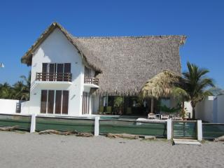 Beautiful beach house in an exotic location, La Libertad Department