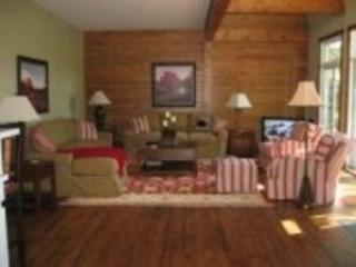 Great Room - Bala Muskoka Cottage - Muskoka - rentals
