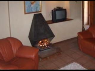 Vineyard Cottage - Oudtshoorn vacation rentals