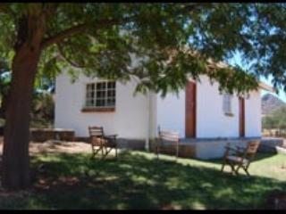 Hanepoot Cottage - Oudtshoorn vacation rentals