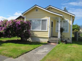 Cute and Cozy Mullan Cottage, Port Angeles