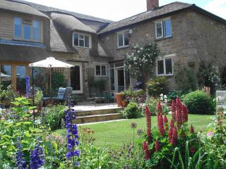 Farndon Thatch a beautiful B&B in Somerset. - Ilminster vacation rentals