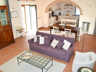 Beautiful Tuscan 2 Bedroom House at Casalta Di Pesa, Siena