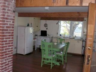 CHARMING FARMHOUSE-SUMMER/autumn season $900/month - Walton vacation rentals