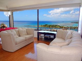 Penthouse Amazing Oceanview Condo, Honolulu