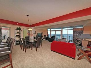 Ocean Blue ResortLuxury  Oceanfront 5 Bedroom Condo with a Balcony, Pool, Hot Tub, Myrtle Beach