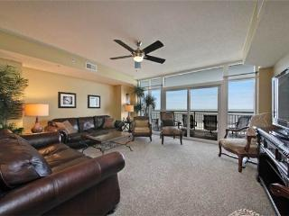 Lovely Ocean Blue Resort Vacation Rental with a Jacuzzi and Balcony, Myrtle Beach