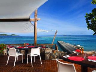 Luxury 4 bedroom Virgin Gorda, BVI villa. Amazing panoramic views of the beach and islands!, Spanish Town
