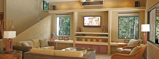 Sink into the comfortable wicker couches and enjoy HBO/Max on the 42 inch TV - 25% off August - Nov - Casa La Via - Luxury Villa - Akumal - rentals