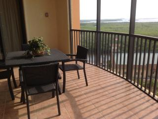 Cape Harbour Condo, Cape Coral