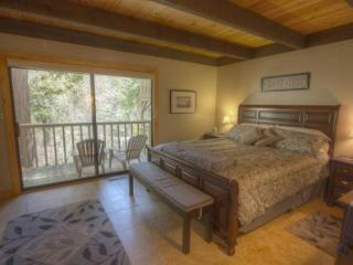 Gorgeous and Luxurious Condo just minutes to Northstar Ski Resort! ~ RA45241, Kings Beach