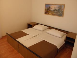 Rooms Nediljka - 24531-S19 - Rovanjska vacation rentals