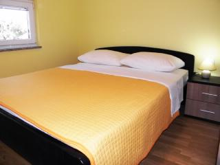 Apartments Mate - 27051-A2 - Rovanjska vacation rentals