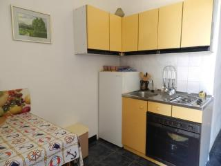 Apartments Ante - 27951-A2 - Pag vacation rentals