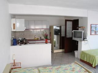 Apartments Stjepan - 40991-A3 - Jelsa vacation rentals