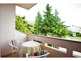 Apartments Radojka - 61441-A2, Punat