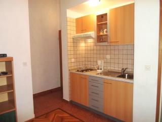Apartments Ljubica - 68211-A4, Punat