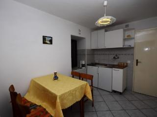 Apartments Mladen - 68631-A1, Lopar