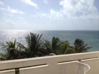 OCEAN FRONT AFFORDABLE CONDO IN CANCUN, Cancun