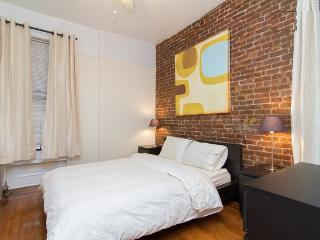Prime East Village* USQ *New charming 2BR~Sleeps 5, New York City