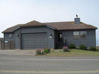 'The Pirates Cove'  Great for Families, Sleeps 10, Hot Tub, Dillon Beach