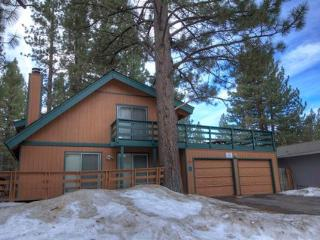 Conveniently Located Tahoe Home for 10 ~ RA716, South Lake Tahoe