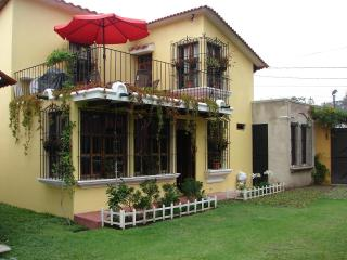 Comfortable-Furnished 4 bedroom house in Antigua