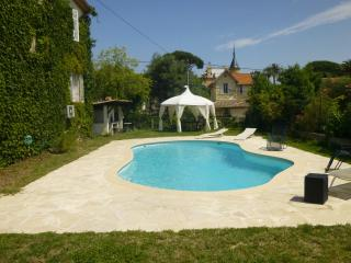 French Riviera Vacation Rental with WiFi, Antibes, Juan-les-Pins