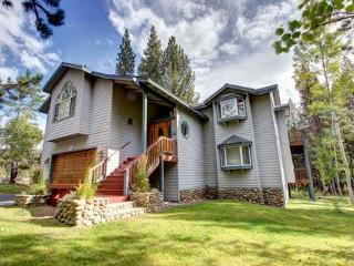Wonderful Secluded Home Sleeps 12 ~ RA3500 - South Lake Tahoe vacation rentals