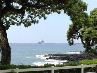 BEST RESORT - OceanFront Property - OceanView Condo -  Walk To Town - 5 *** Resort - Concierge Onsite, Kailua-Kona