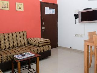 1 Bedroom Vacatation Apartment in Malad West, Mumbai (Bombay)