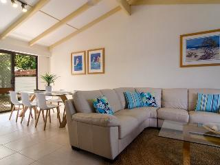 Orangewood, Dog Friendly Beach House, Peregian Beach