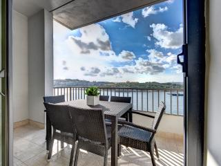 031 Exceptional Tigne Seafront 4-bedroom apartment, Sliema
