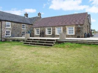 CURLEW COTTAGE, romantic cottage, WiFi, great views, in Longnor, Ref. 23694 - Longnor vacation rentals
