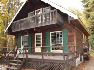 Cute and Cozy Ski Chalet 1h from Ottawa, Lac-Sainte-Marie