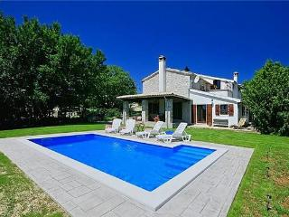 Newly renovated holiday house for 8 persons, with swimming pool , in Central Istria - Buzet vacation rentals