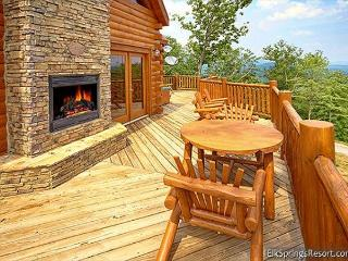 High End 3 Bedroom Cabin with Amazing Views, Sevierville